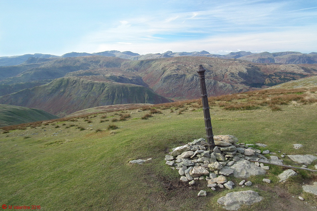 06 Looking west - from Dollywaggon Pike.jpg