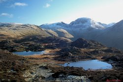 06 Innominate Tarn & Gables.